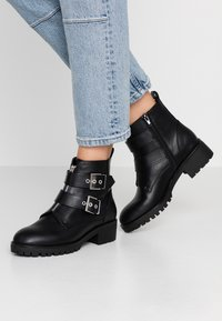 Anna Field - Cowboy/biker ankle boot - black - 0