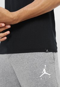 Jordan - JUMPMAN AIR TEE - T-shirt basic - black/white