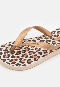 Ipanema - CLASSIC KIDS - Pool shoes - beige/gold/brown - 5
