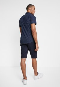 TOM TAILOR - ESSENTIAL - Shorts - parisien night blue - 2