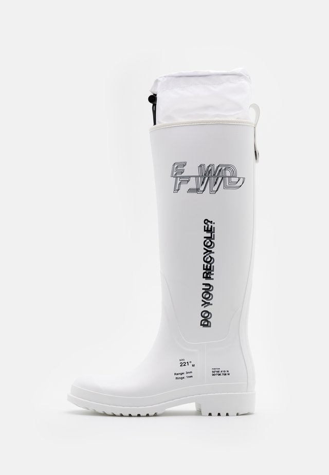 Wellies - white