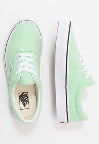Vans - ERA - Baskets basses - green ash/true white - 0