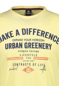 LERROS - MAKE A DIFFERENCE - Print T-shirt - pale yellow - 2