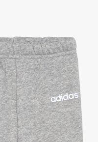 adidas Performance - ESSENTIALS LINEAR TRACKSUIT BABY SET - Træningssæt - pink/mottled grey/white - 6