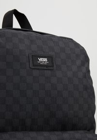 Vans - OLD SKOOL  - Rucksack - black/charcoal - 8