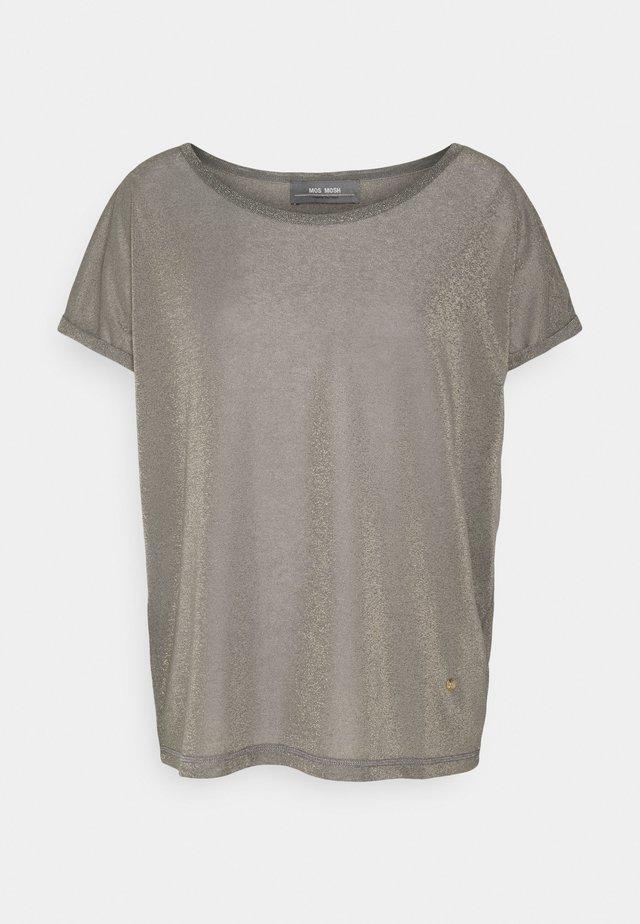KAY TEE - T-shirt imprimé - magnet
