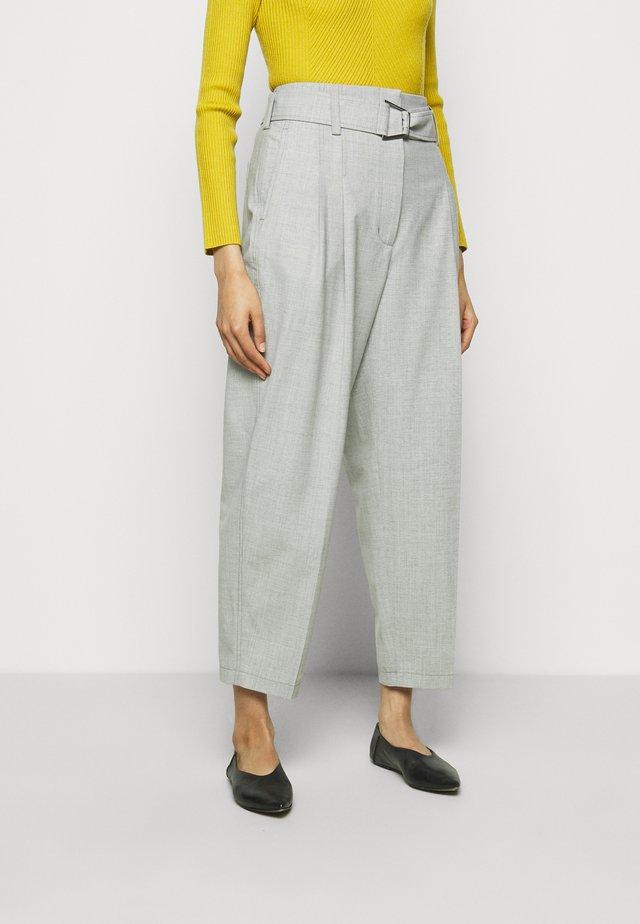 BELTED UTILITY PANT - Broek - ash grey