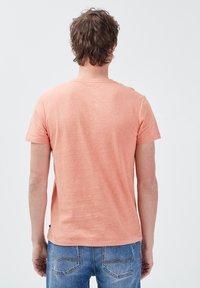 BONOBO Jeans - Basic T-shirt - rose poudrée - 2