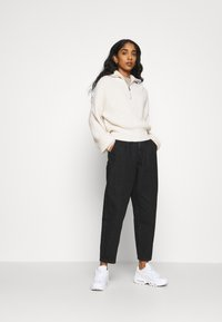 ONLY - ONLPLEAT CARROW - Trousers - black denim - 1