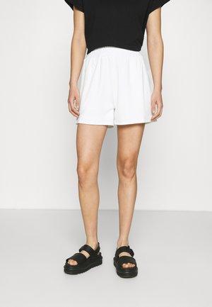 CORA - Shorts - white