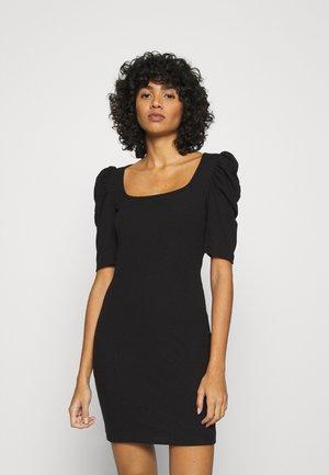 VMMINNIE SQUARE DRESS - Pouzdrové šaty - black