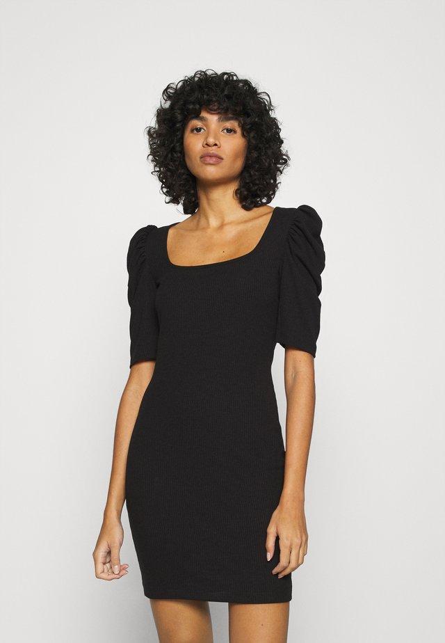 VMMINNIE SQUARE DRESS - Etuikjoler - black
