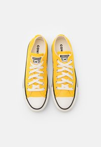 Converse - CHUCK TAYLOR ALL STAR UNISEX - Trainers - amarillo/egret/black - 3