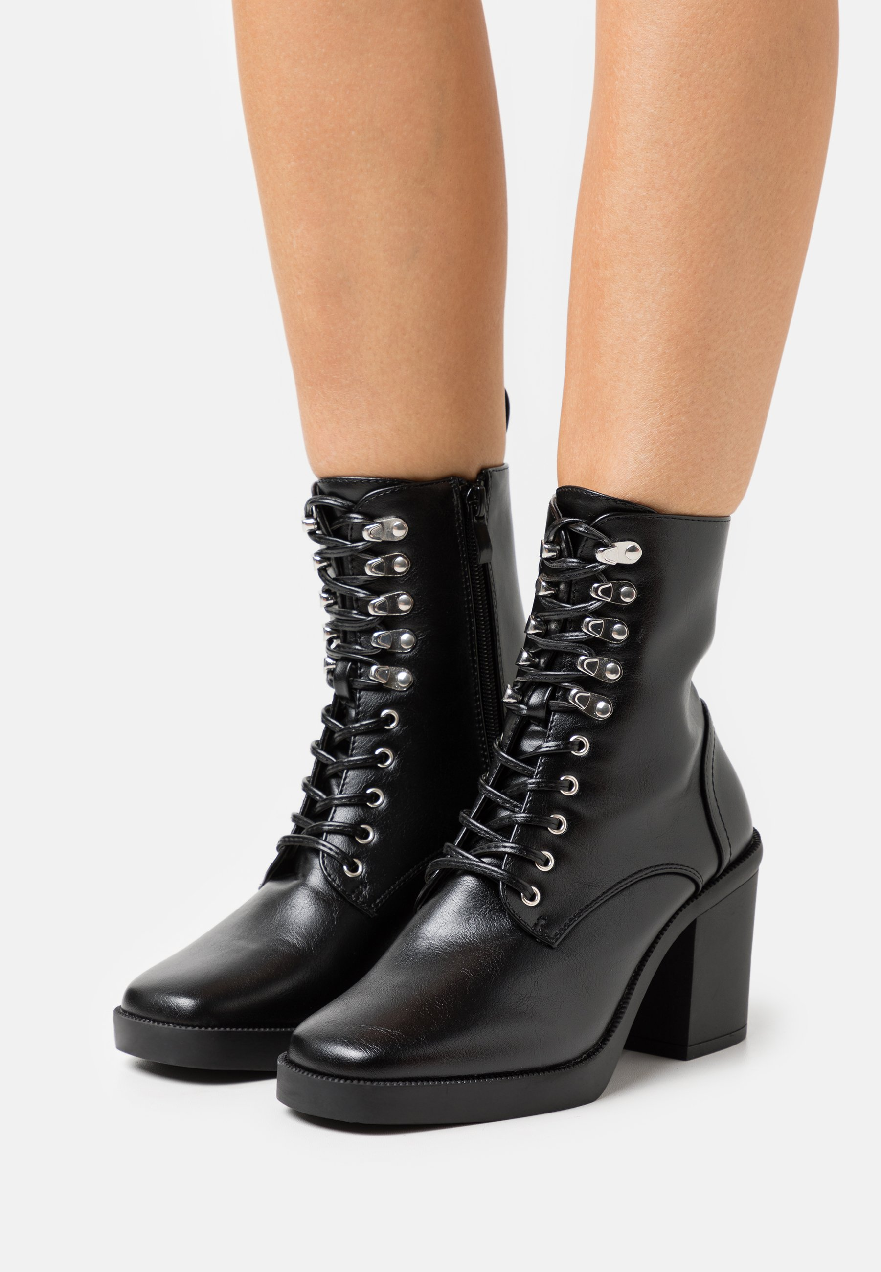 Women ICONIC - Lace-up ankle boots