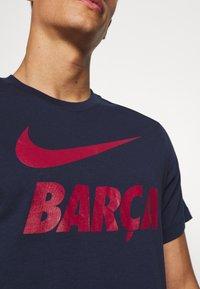 Nike Performance - FC BARCELONA TEE GROUND - Tekninen urheilupaita - obsidian - 5