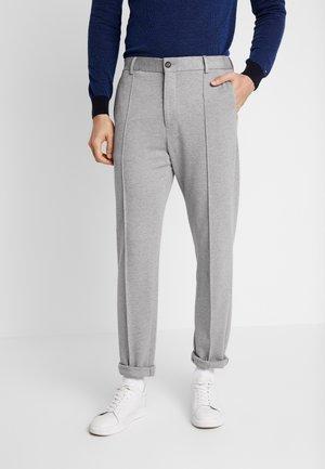SLIM FLEX WITH PINTUCK - Pantaloni - grey