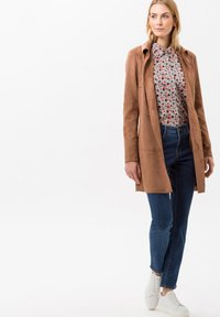 BRAX - STYLE CAROLA - Slim fit jeans - clean regular blue - 1