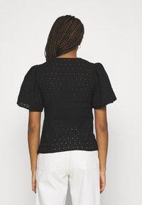 Trendyol - Basic T-shirt - black - 2