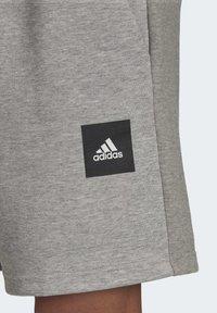 adidas Performance - MUST HAVES STADIUM SHORTS - Sports shorts - grey - 5