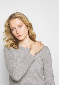 Repeat - Jumper - light grey - 3