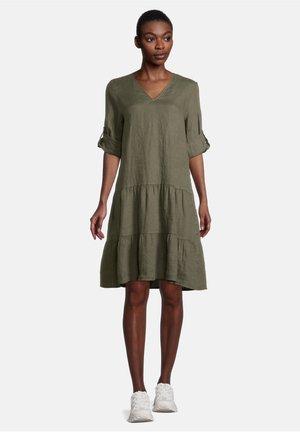 MIT STUFEN - Day dress - dunkelgrün