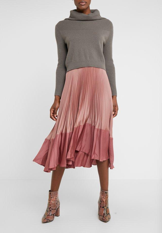 PLEATED FLOUNCE SKIRT - Áčková sukně - rose