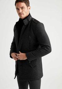 DeFacto - Klassinen takki - black - 4
