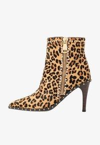 Alma en Pena - High heeled ankle boots - camel - 1