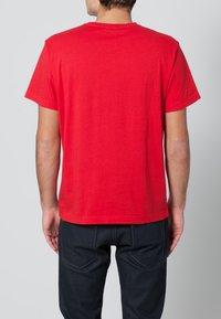 GANT - THE ORIGINAL - T-shirt - bas - bright red - 3