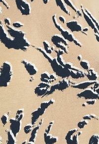 Vero Moda - VMAVA PLAIN - T-shirt med print - khaki/brown - 5