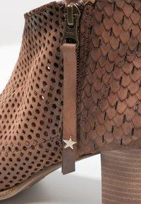 Felmini - OMEGA - Ankle boots - rain nut - 5