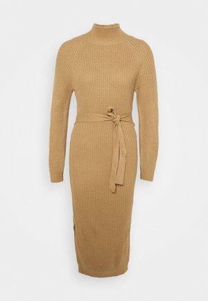 HIGH NECK BELTED DRESS - Pouzdrové šaty - tan