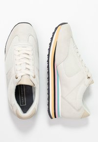Tommy Hilfiger - STRIPE RETRO  - Trainers - white - 3