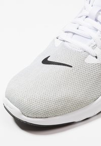 Nike Performance - FLEX TRAINER 9 - Scarpe da fitness - white/black/pure platinum - 5