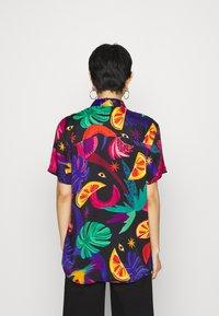 Farm Rio - MYSTIC JUNGLE SHIRT - Button-down blouse - multi - 2
