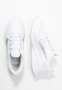 Nike Performance - RUNALLDAY 2 - Neutral running shoes - white/metallic silver/pure platinum - 1
