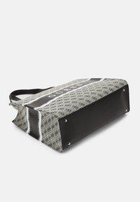 Guess - HANDBAG MONIQUE TOTE - Shopping bag - coal - 3