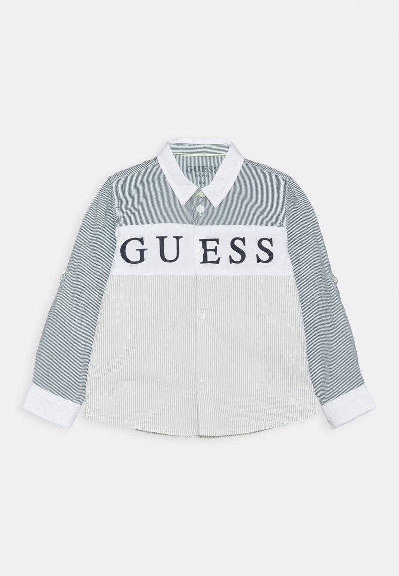 Guess - REGULAR BABY - Shirt - light blue/white