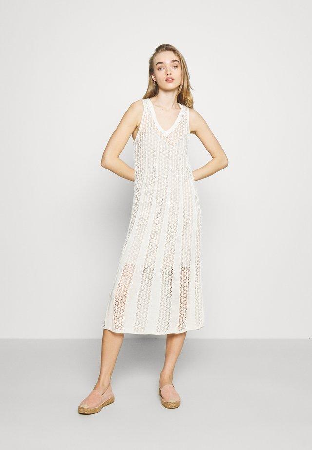 LARA - Gebreide jurk - off white