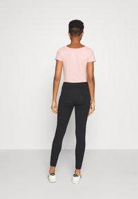 Hollister Co. - LOGO - Leggings - Trousers - black - 2