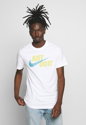 TEE JUST DO IT - T-shirt med print - white/limelight/cerulean