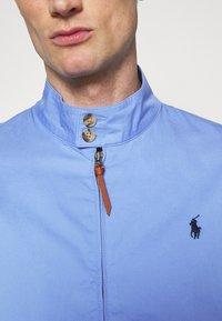 Polo Ralph Lauren - COTTON TWILL JACKET - Summer jacket - cabana blue - 6