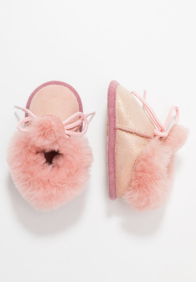 BAMBI LUX - First shoes - rosa/gold