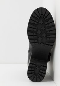 Versace Jeans Couture - Platform ankle boots - nero - 6