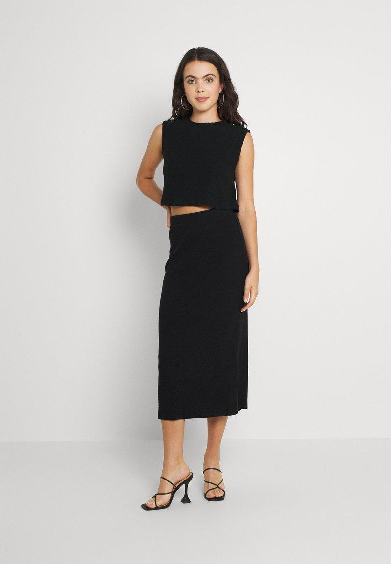 Noisy May - NMANKER SET - Shift dress - black