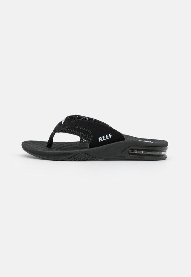 FANNING - Sandalias de dedo - black