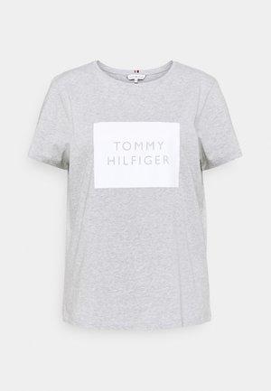 REGULAR BOX TEE - Camiseta estampada - light grey heather
