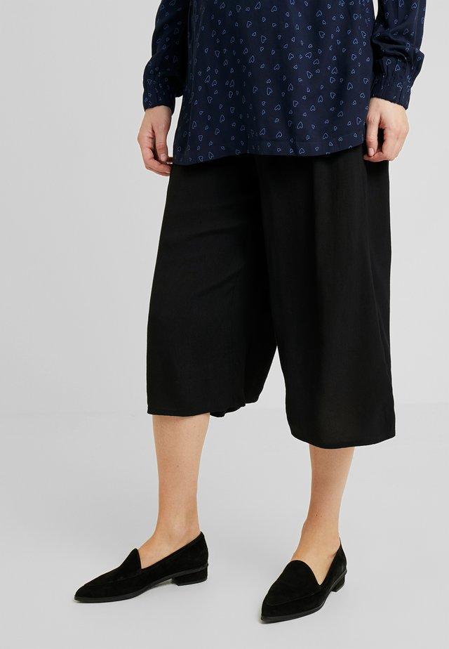 PANTS CULOTTE - Szorty - black