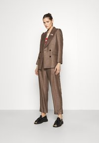 sandro - Short coat - marron/noir - 1