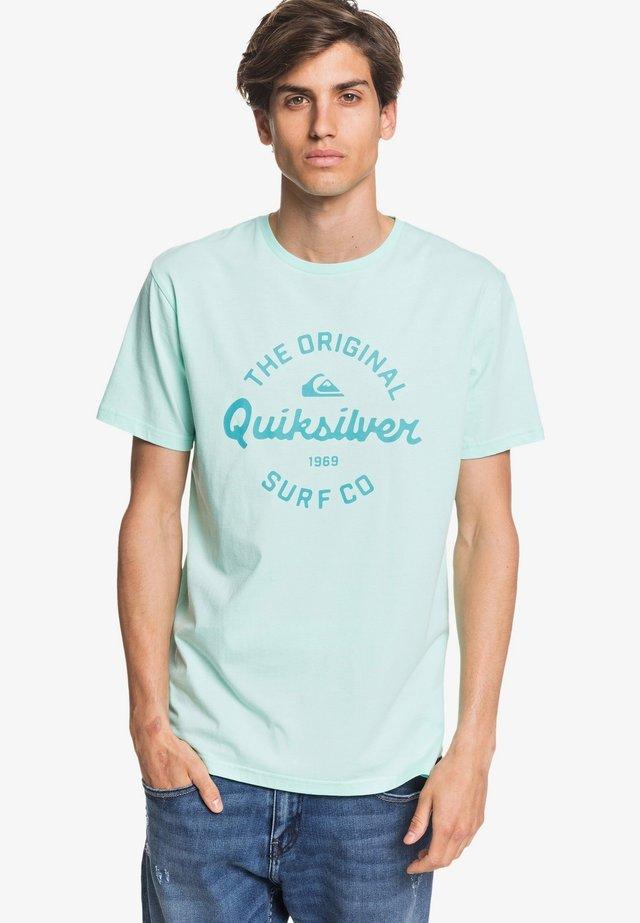 EYE ON THE STORM - Print T-shirt - beach glass